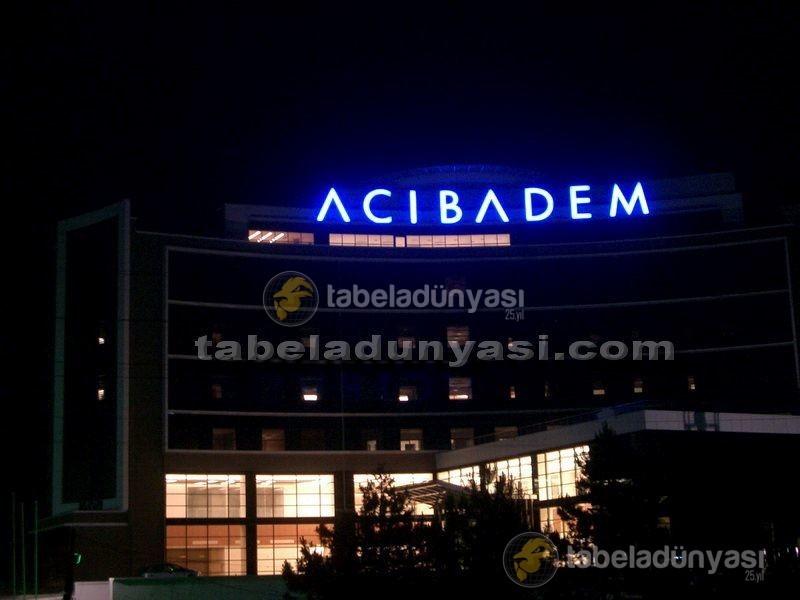 acibadem_hastanesi_isikli_tabela_112003_1