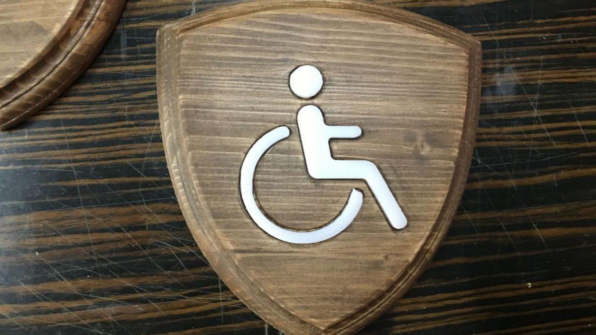 Engelli Ahşap tabelası