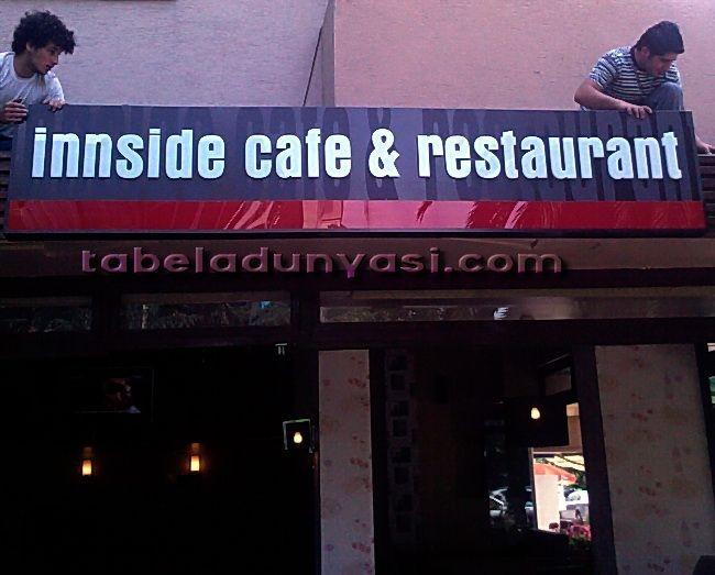 inside_cafe_isikli