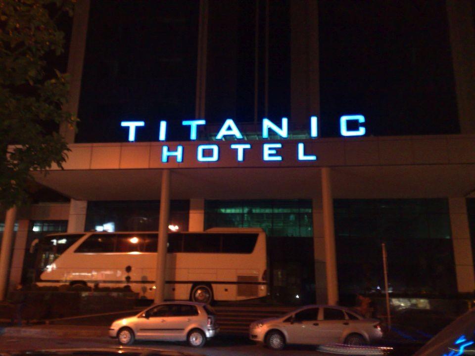 titanic_hotel_isikli_tabela_1112008_2
