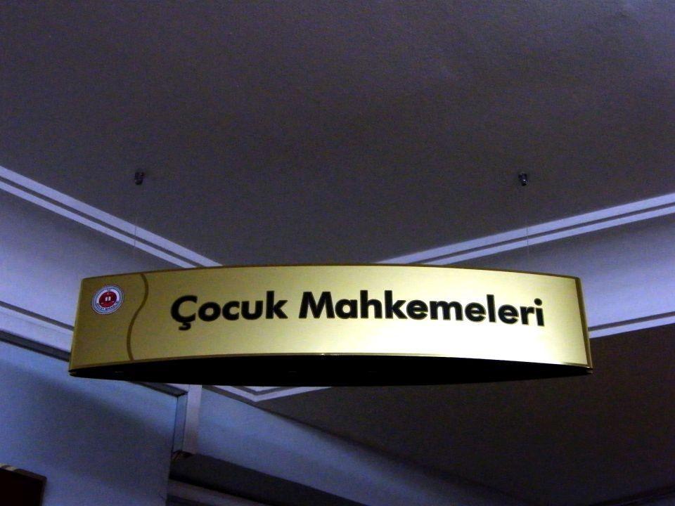 cocuk_mahkemeleri_yonlendirme_tabela_2012011_1