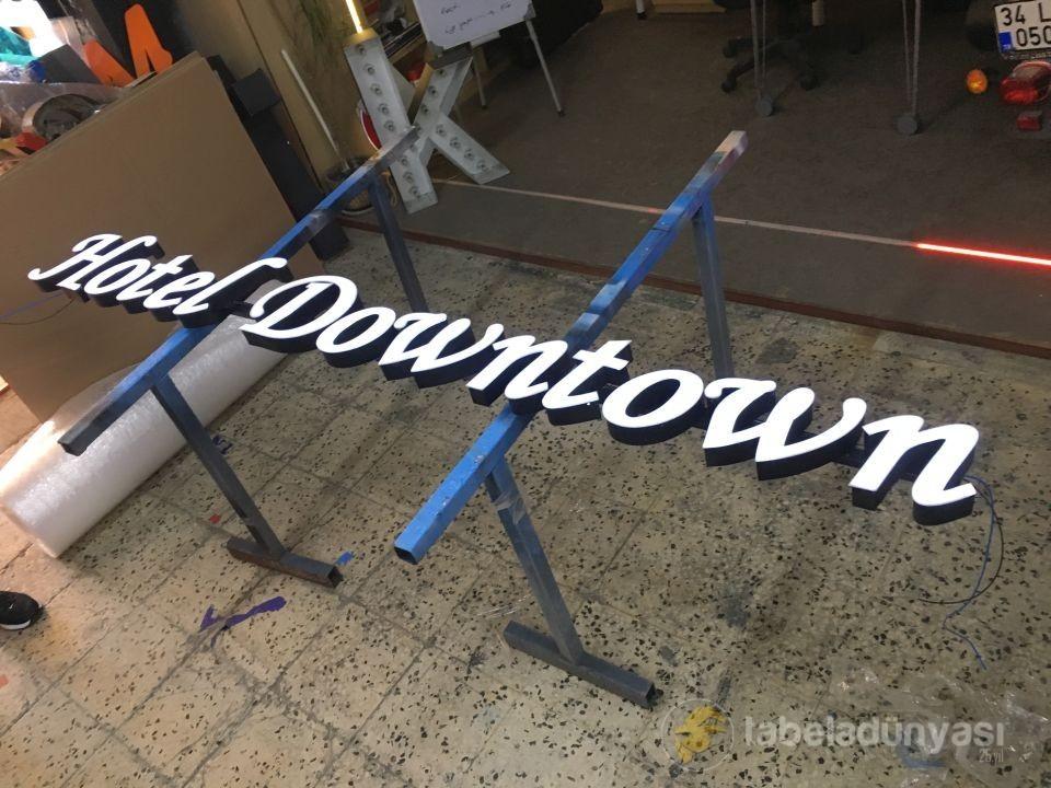 Hotel Downtown Kutu Harf Tabela
