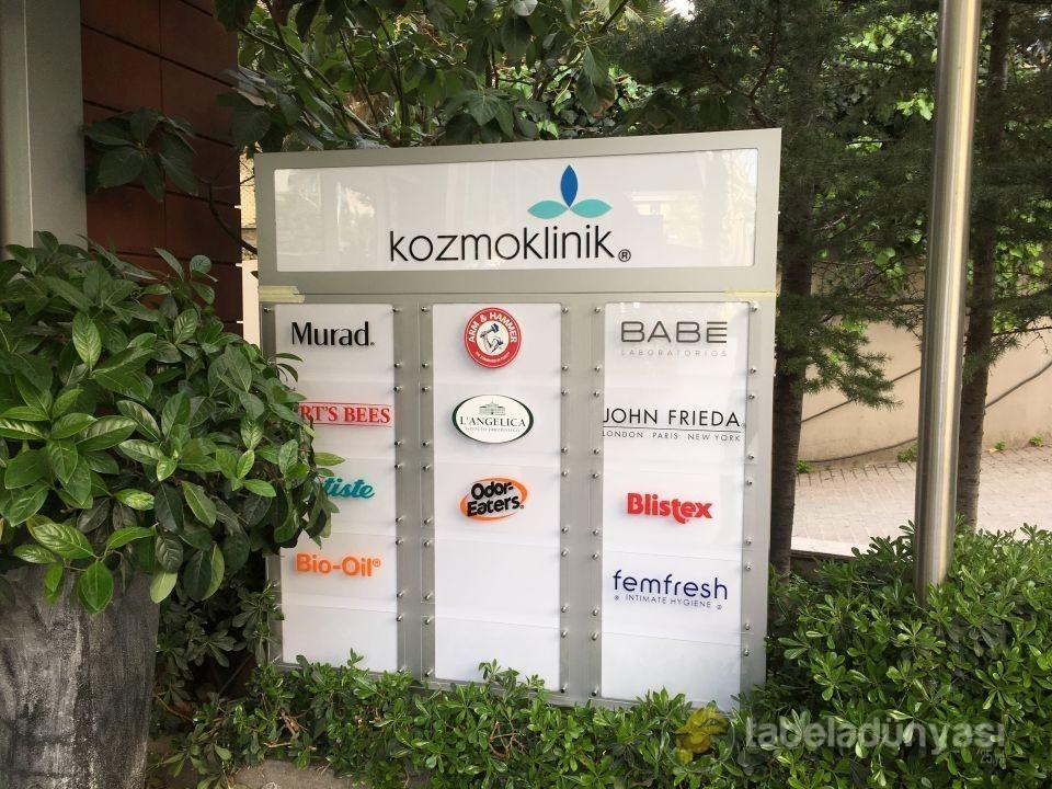 kozmoklinik_yonlendirme_tabela_1