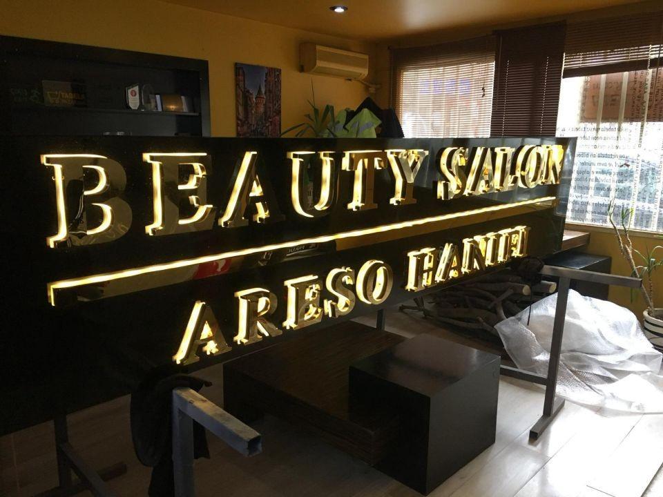Beauty Salon Crom Işıklı Kutu Harf Tabela