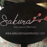 Sakura Donusum Merkezı Sac Ayaklı Tabela