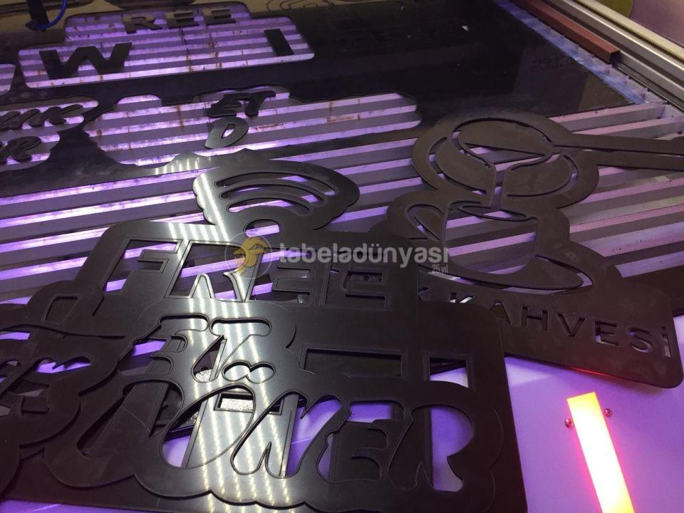 3D LED Tabela Terzi ön yuzey Pleksı lazer Kesım Imalatı