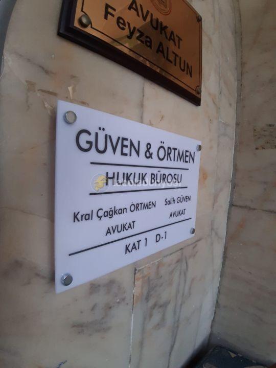 Guven Ortmen Avukatlık ve Hukuk Burosu Yonlendirme Tabela Montaj