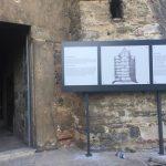 Turkiye Kultur Ve Truzim Bakanlıgı Rumeli Hisarı Muzesi Ayaklı Kule Fon Tabela