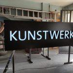 Kunstwerk Avusturya Isıklı Tabela