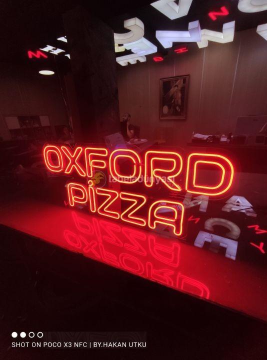 Oxford pizza neon hortum led tabela